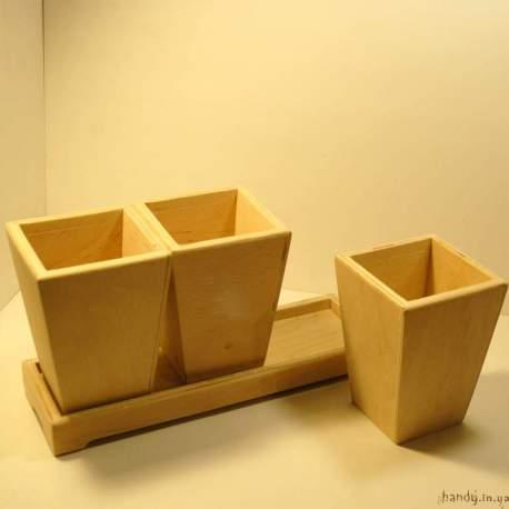 Комплект: три горшочка на подставке