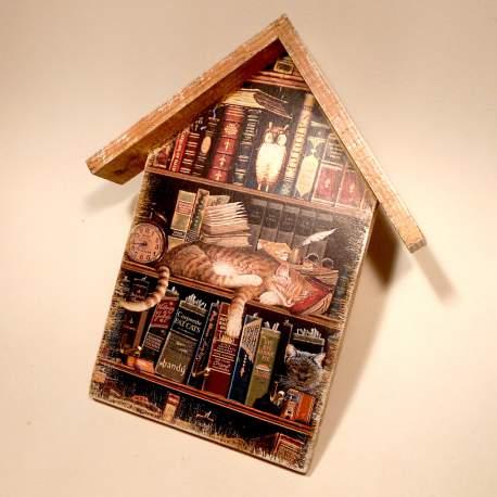 """Ключница домик """"Кот в библиотеке"""""""