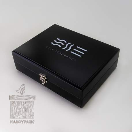 Шкатулка с ложементом для презентации парфюмерии