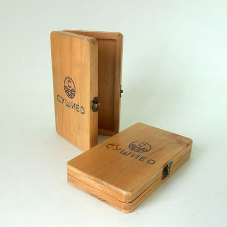 Счетница из дерева с логотипом