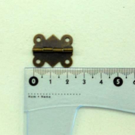Петля фигурная 25*20 мм старая латунь