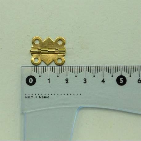 Петля фигурная 20*17 мм полуоборотная золото